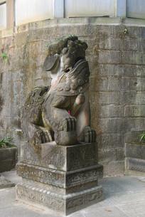 成都石经寺的石狮雕塑