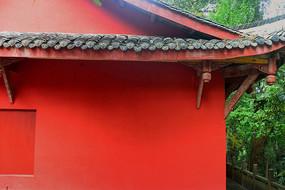 成都石经寺红色墙壁的僧房