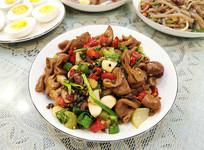 美味川菜干煸肥肠