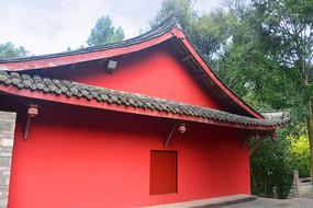 寺庙红色墙壁的僧房