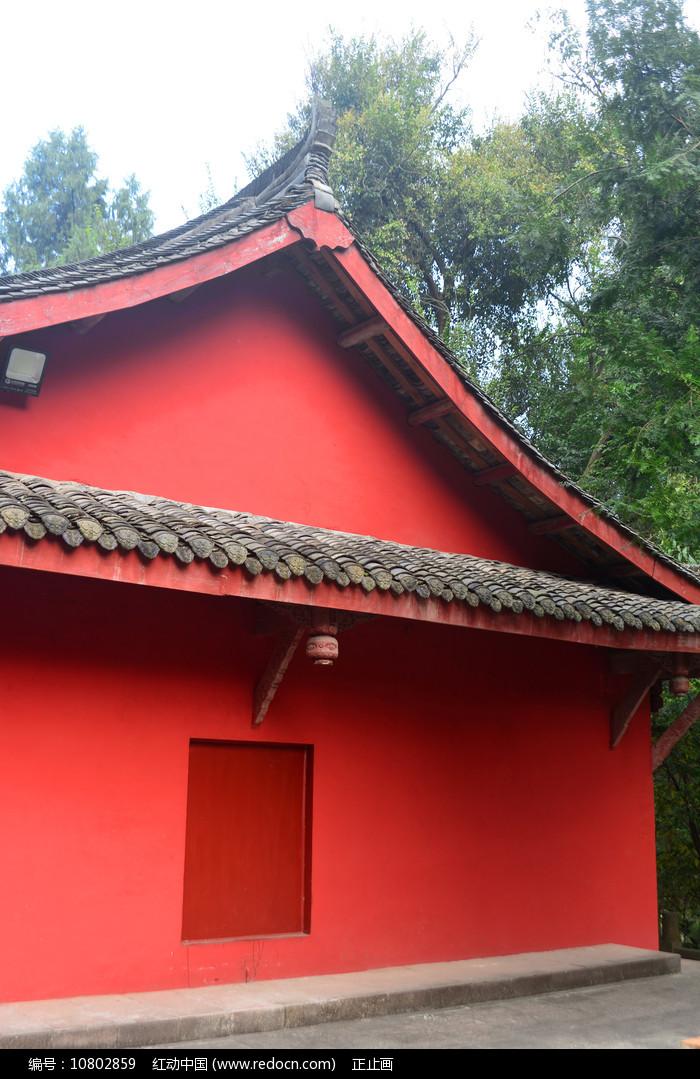 寺庙建筑的红色墙壁 图片