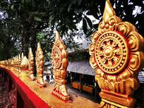 佛寺的围墙