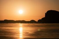 日出吉乃尔湖