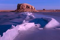 水上雅丹与冰凌