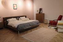 大床房间家具