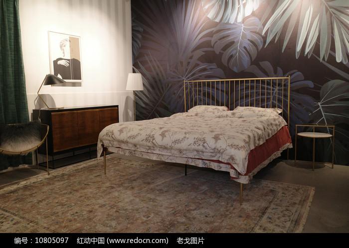 钢架床图片