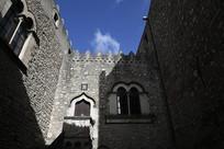古城堡内廷