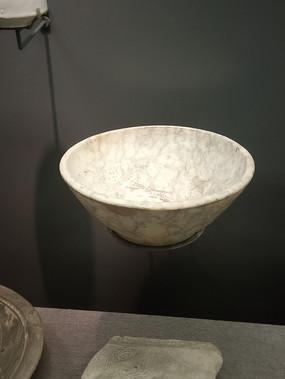 石器时代陶碗摄影
