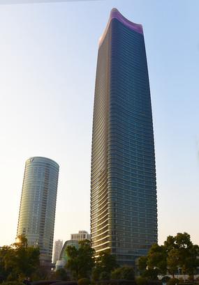 上海白玉兰广场