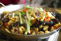 四川特色美食干锅美蛙