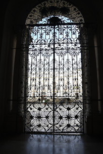 意大利陶尔米纳大教堂大门