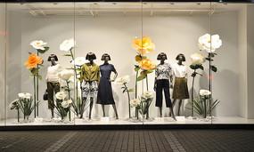 春节女装橱窗模特