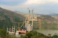 云南建水县建设中的红河特大桥