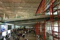 北京机场航站楼室内人行天桥