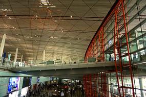 北京首都机场室内人行天桥