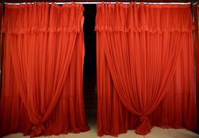 红色的幕帘