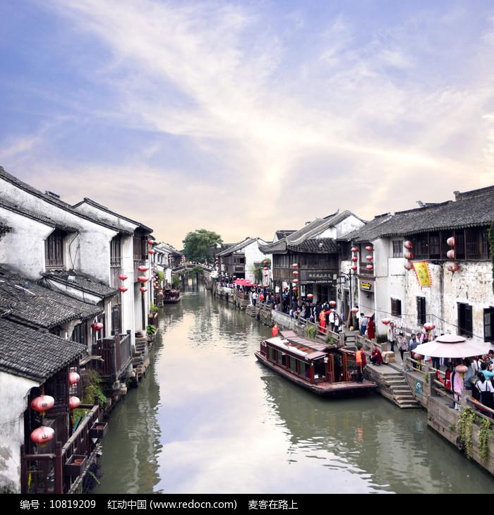 苏州山塘街的水乡风光图片