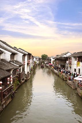 苏州山塘街的水巷风景