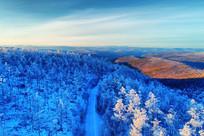 大兴安岭冬季雪色山林