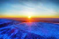 大兴安岭林海雪原雪林日出