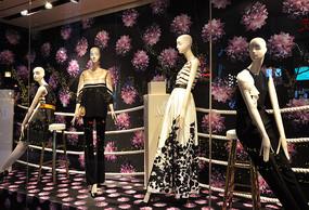 女装店橱窗模特
