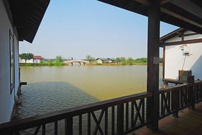 深圳海上田园度假村的水上木屋