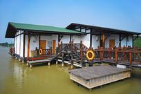 深圳海上田园度假村湖岸小木屋