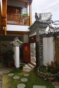云南建水古城传统宅院照壁