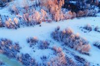 大兴安岭冰河树林晨光(航拍)