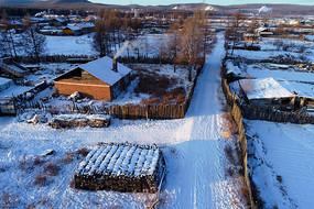 大兴安岭林区山里人家雪景