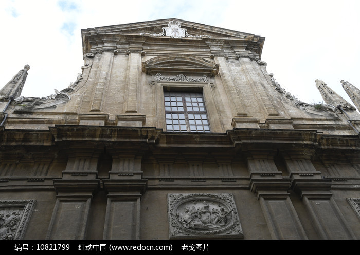 教堂建筑外墙顶部图片