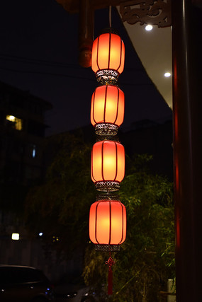 一串红灯笼