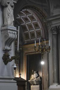 巴勒莫大教堂雕像