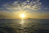 海上观日出