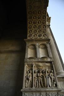 那不勒斯新堡柱头雕塑