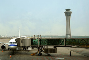 北京机场登机桥及塔台