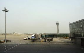 北京首都机场登机桥及塔台