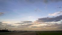 杭州萧山国际机场的傍晚晚霞