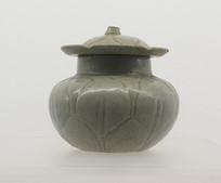 五代文物越窑青釉带盖瓷罐