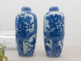 清代文物景德镇窑青花带盖瓷瓶