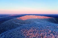 大兴安岭林海雪原山峦雾凇暖阳