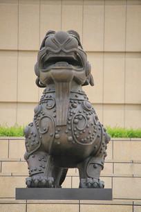 古代瑞兽麒麟雕像