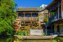 千山老房子建筑与潭溪上的木船