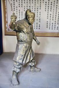 张飞执鞭雕像