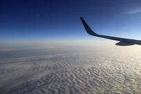 高空云飞翔