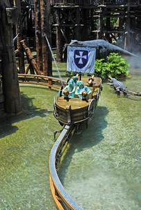 深圳欢乐谷水上游乐-海盗船海战