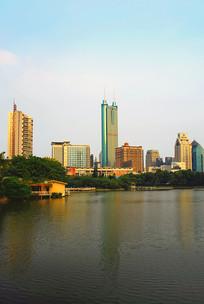 深圳荔枝公园荔湖及城市
