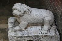 古代狮子雕像
