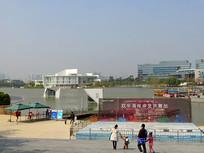 深圳欢乐海岸湖畔舞台