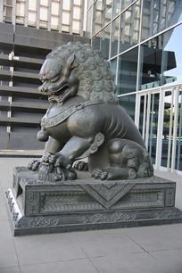 卷毛狮子雕像
